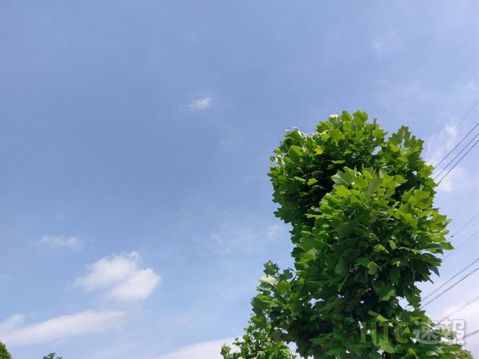 htv32_camera_sky